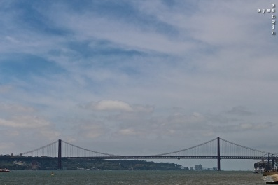 25 Abril Bridge